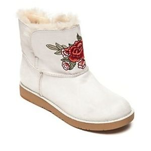 New Women's Larue Fashion Embroidered Boots